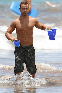 Joey Lawrence with two pails. :)