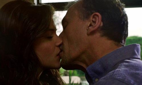 Hot Knepper kiss
