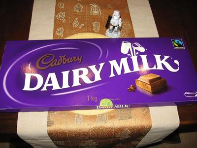 Would anda like some Chocolate? =3