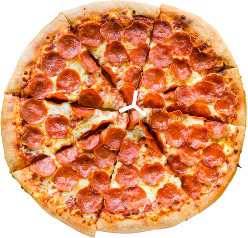A giant pizza :3