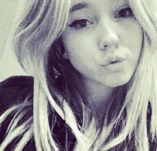OMG. Ellie_Works<3333 She's literally so nice(: