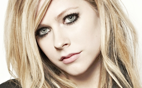 Avril Lavigne. My icon. :D