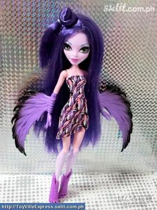 monster:harpy sexuality: straight looking for someone to love sex: girl age:16 i have dark purple hair with purple skin i have a pet robin called sharp  my name is Harriett nickname danger (i know right) :)