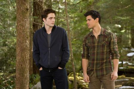 my sexy man,Robert and Taylor Lautner as Edward&Jacob in a scene from BD part 2<3