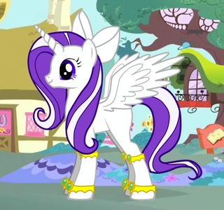 My is not a regular 小马 but shes an alicorn and her name is princess orchid 或者 你 may call her shimmer...