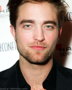 my sexylicious Robert with a smooth forehead<3