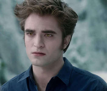 my sexy Robert,as Edward in a scene from Eclipse wearing a dark blue shirt<3
