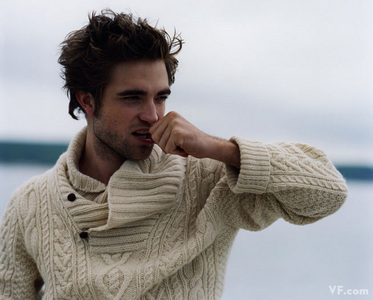 I love,love,love this sweater on my sexy Robert<3