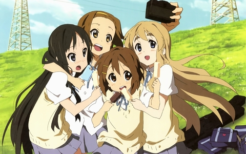 K-on is one of my favourite Moe animes, beside Lucky звезда of course <3 There's Mio Ritsu Yui and Mugi (^3^) I don't like Asuna -_- so I didn't add her in the pic :P