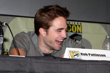 my sexy Robert laughing.I Cinta his laugh,it's very infectious<3