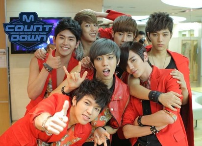 I have もっと見る than 3 words ''But what about INFINITE????!!!!!!!!!!!!!!!!!!!'' または ''I 愛 you' to my family<3