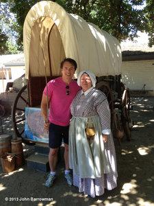 John Barrowman with a 팬 :)