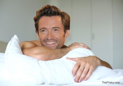 Hugh Jackman..how i'd like to gabung him in that bed;)