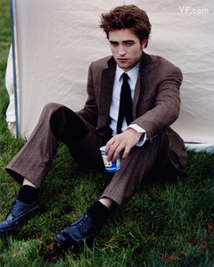 my sexy Robert looking even sexier with a tie<3