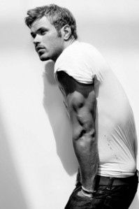 Twilight hottie Kellan Lutz looking to the side<3