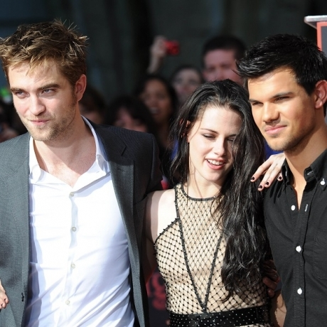 my sexy baby with his equally famous Twilight co-stars Kristen Stewart and Taylor Lautner<3