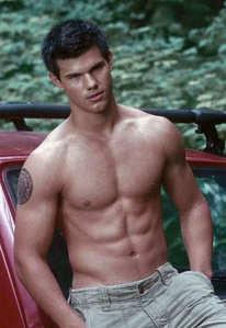 Taylor's tantalizing torso<3