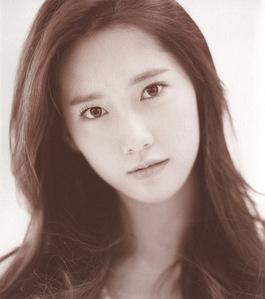 Yoona in Gee era.