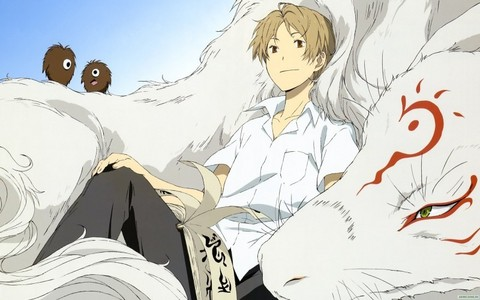 When I first watched it, I was surprised Natsume Yuujinchou wasn't thêm popular. Not only is it hilariously entertaining, it has such a creative sweet story. I really think it deserves thêm love.