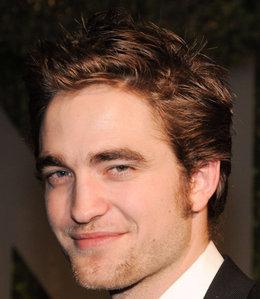 he has a beautiful shaped face<3