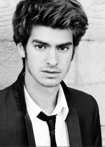 Andrew Garfield! He has a perfect face shape <3