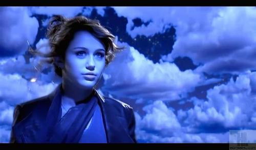 here's mine!!! hope u like it!!! :D:D <33 http://images4.fanpop.com/image/photos/18000000/Can-t-Be-Tamed-Wallpaper-3-miley-cyrus-18045591-2000-1210.jpg answer: Best of Both Worlds Tour 2007–08 Wonder World Tour 2009 Gypsy ハート, 心 Tour 2011
