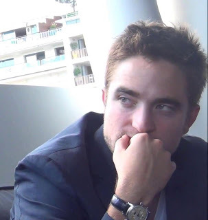 Robert looking to the side<3