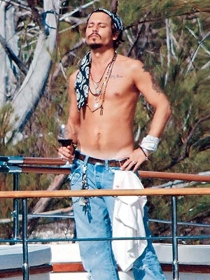 Johnny Depp The most amazing standing picture that any man could be in, stay amazing everyone!