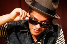 Bruno Mars damn this guy is sexy and can sing