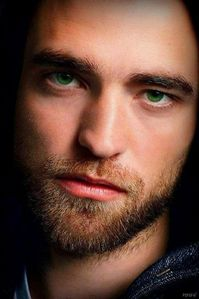 please stop trying to kill me with those eyes<3
