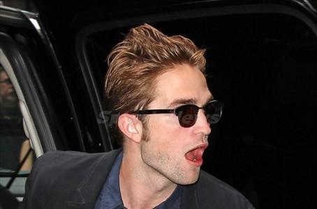 Robert's sexy,shocked face<3