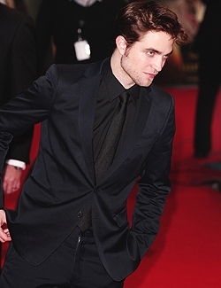 Robert my handsome MIB<3