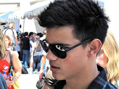 Taylor Lautner and his spiky,sexy hair<3