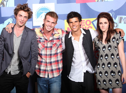 my handsome baby with 3 of his Twilight co-stars<3