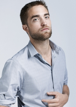 there is nothing plain about my sexy Mr.Pattinson<3