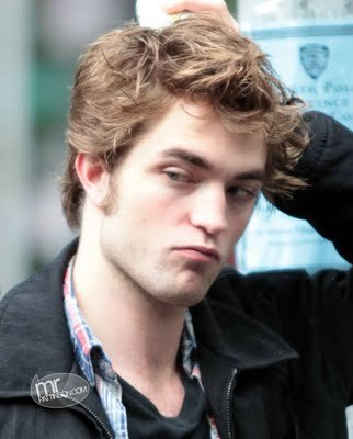 Pattinson puppy pout<3