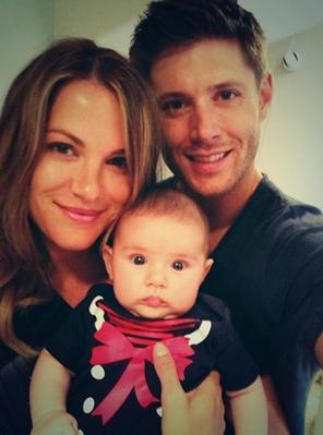 Jensen with his wife Danneel and daughter JJ :)