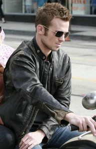 Twilight hottie Cam Gigandet in a leather jacket<3