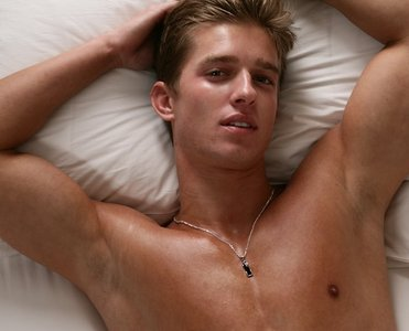Drew অগ্রদূত Acker as Jason DiLaurentis on Pretty little liars. There really was no reason why, except that I think he is totally hot.