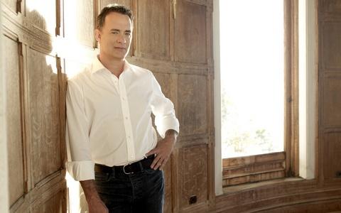 Tom Hanks (: