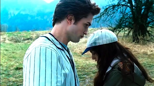 Robert,as Edward Cullen,wearing a baseball jersey in a scene from Twilight<3