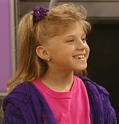 My پسندیدہ character from Full House is Stephanie. The blond hair, the blue eyes, the way she dances to the music, and the way she looks on the bright side at things... she inspires me to cook up and write مزید stories. :)