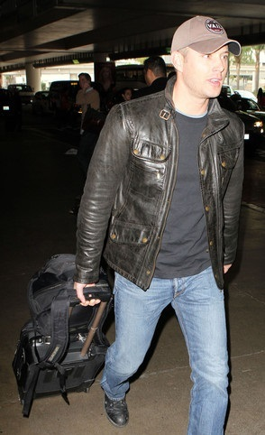 Jensen Ackles at the airport