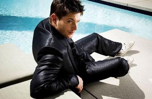 Jensen sitting :)