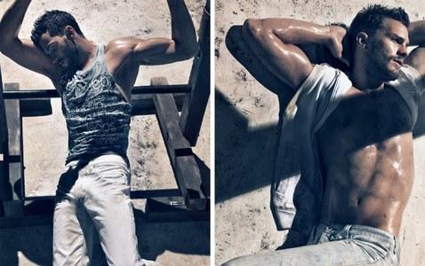 Jamie Dornan looking very hot in those jeans<3