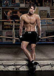 Chris Hemsworth the hot Aussie boksingero in black<3