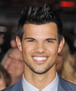 Taylor Lautner<3