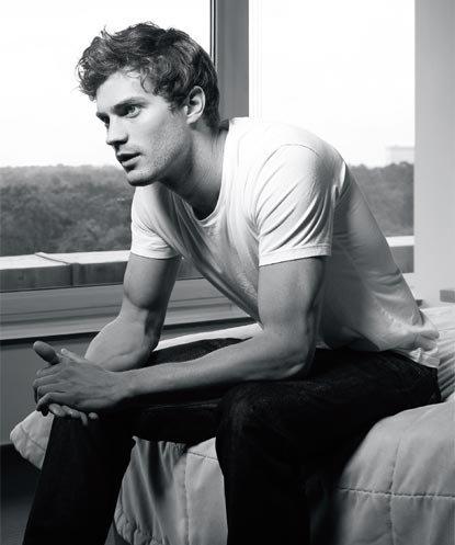 oh my damn!!!!!Jamie is a bonafide hottie<3