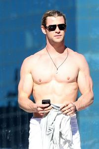all my hotties have gorgeous bodies and faces,but I think Chris Hemsworth's body is smoking hot<3