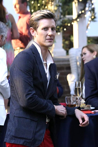 I have a crush on Mr. Faceabs xD Gabriel Mann
